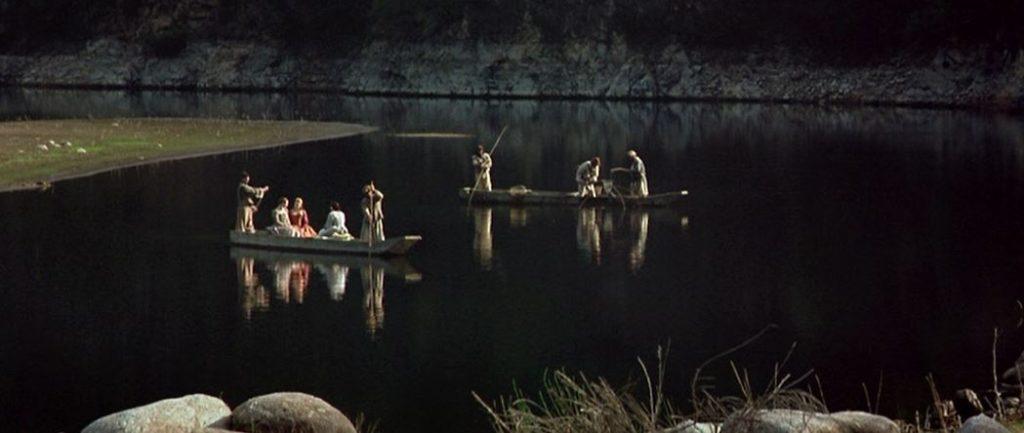 On voit un photogramme du film La Princesse de Montpensier de Bertrand Tavernier où est représentée la scène de la barque.