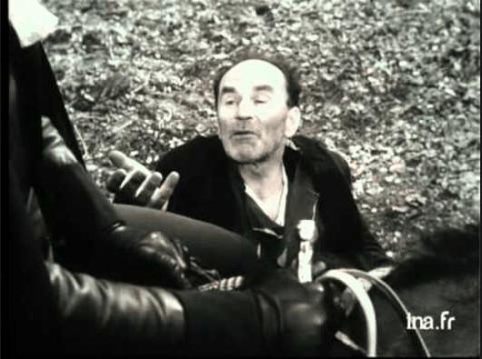 Acte 3 scene 2 le pauvre demande l'aumône à Dom Juan qui refuse de la lui donner.